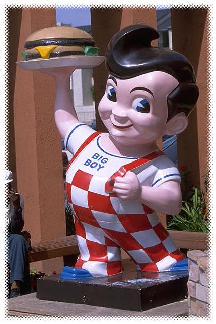 """""""Bob's Big Boy"""" statue"""
