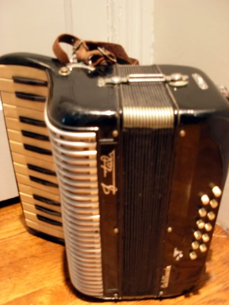 Accordion of unknown make owned by Andy Ramoniac