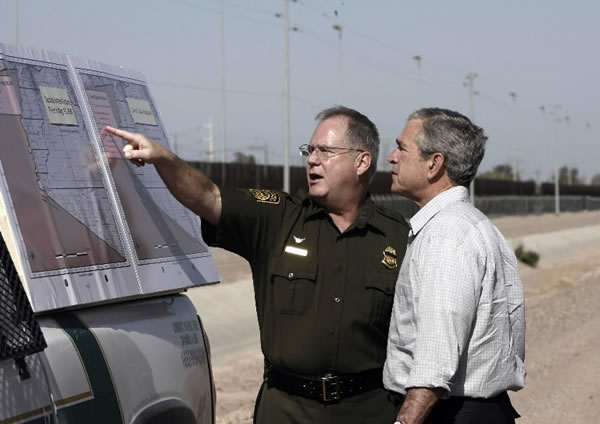Border Patrol guy and President Bush