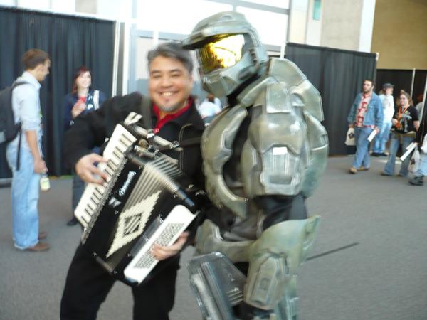 Joey deVilla plays accordion with Master Chief