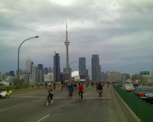 Critical Massholes on the Gardiner Expressway
