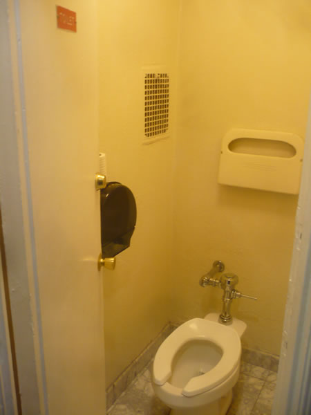 13. Hallway toilet in Hotel Cecil