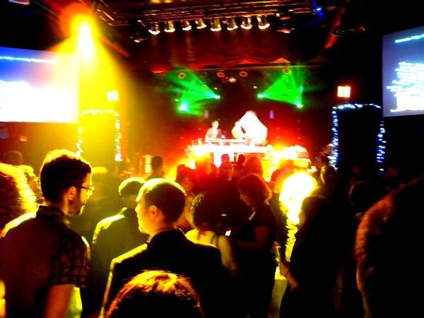 05_hohoto_dance_floor