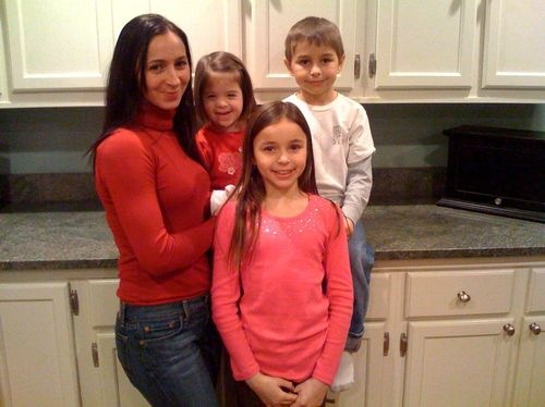 Daniela and her 3 children