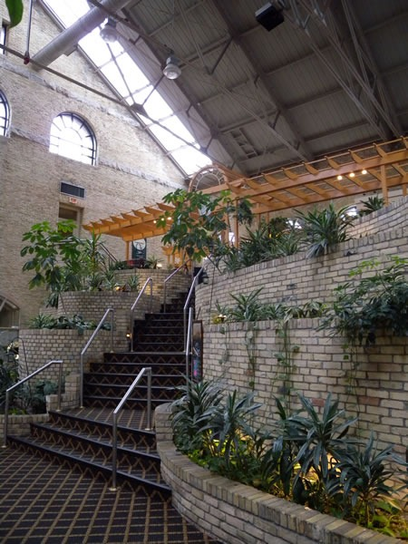 Entrance to the Cantata Lounge at the Delta Armouries London Hotel