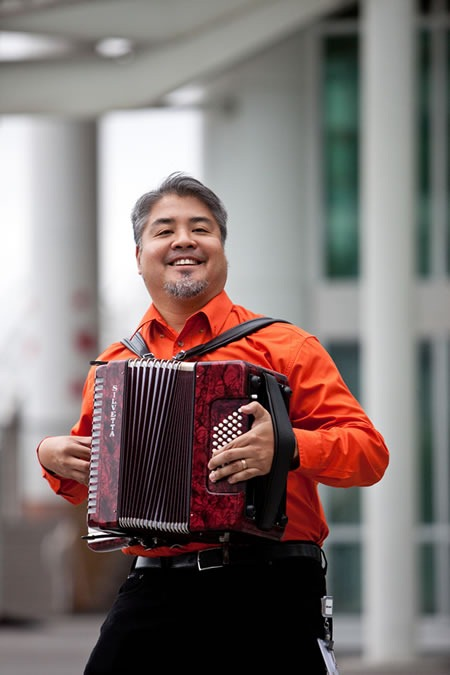 joey_devilla_on_accordion_kk
