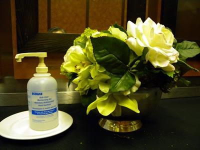 07 hand sanitizer