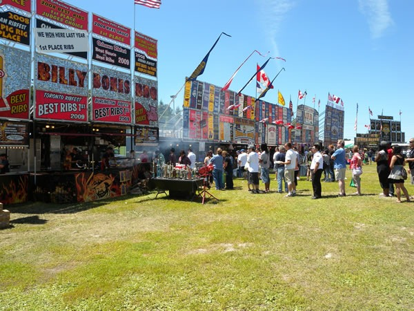 A relatively small line and uncrowded spaces at Ribfest