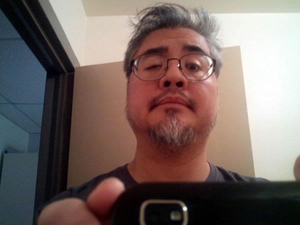 Joey deVilla self-portait in bathroom after almost a week of no shaving