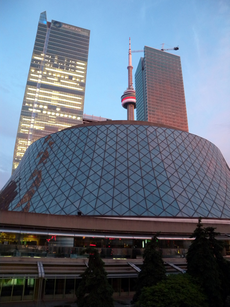 Roy thomson hall and cn tower