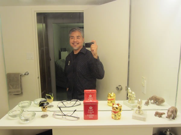 Joey deVilla self-portrait in bathroom mirror