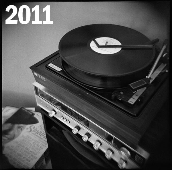 2011: Photo of a late-60s early-70s home stereo with record player