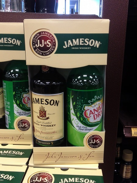Box containing one bottle of Jameson and one bottle of Canada Dry ginger ale
