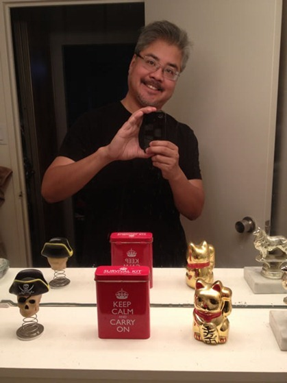 joey devilla bathroom self-portrait