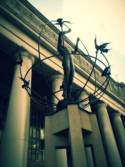 union station statue