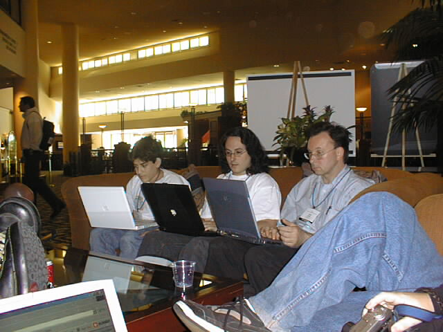 Aaron Swartz, Wes Felter and Others Hack in the Lobby, ETCon, May 2002