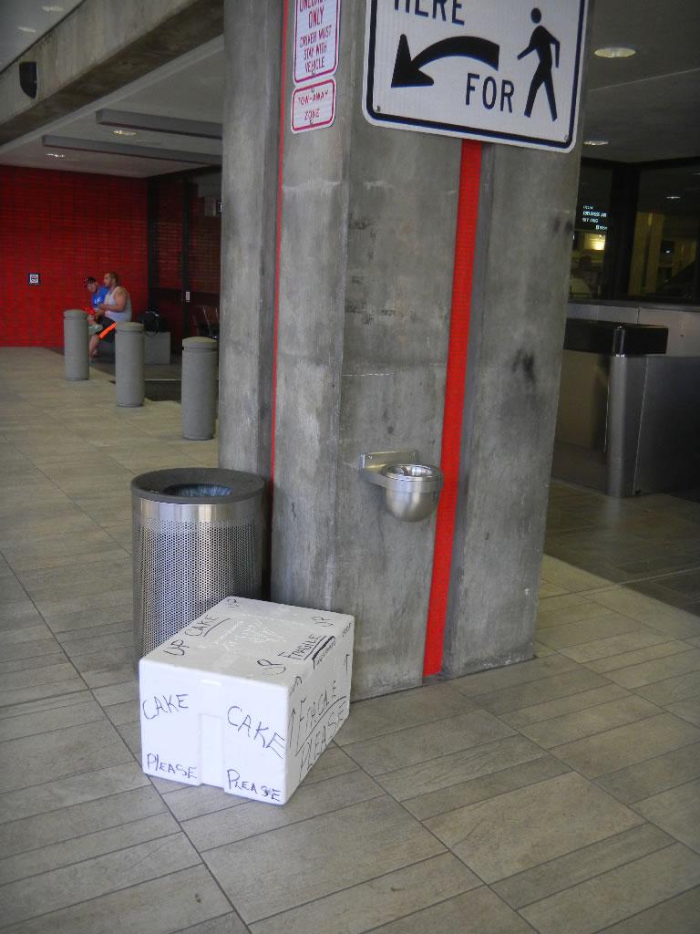 cake box at airport