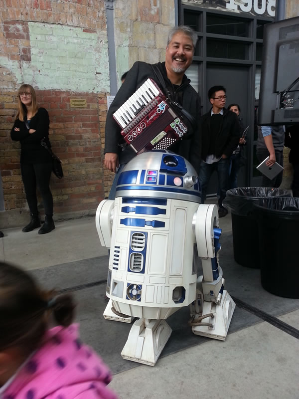 joey devilla and r2-d2