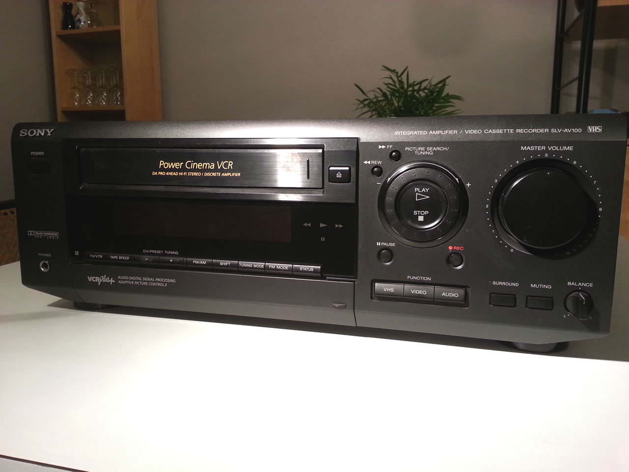 01 sony front