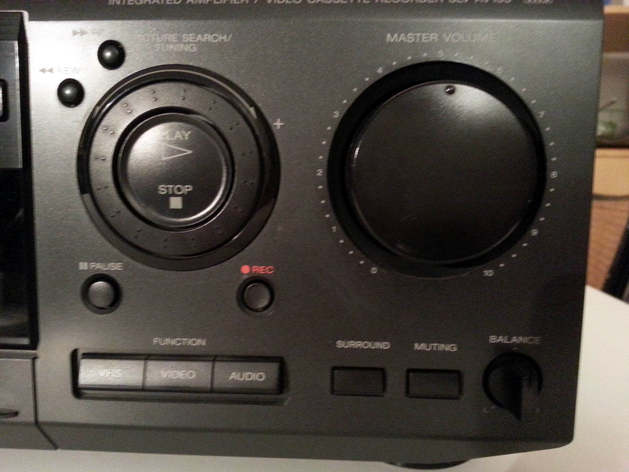 02 sony front right