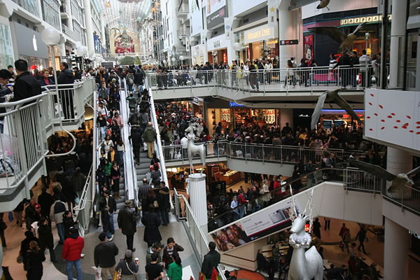 Photo of the Boxing Day crowds at the Eaton Centre, circa 2007.