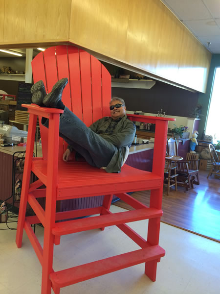 joey big red chair