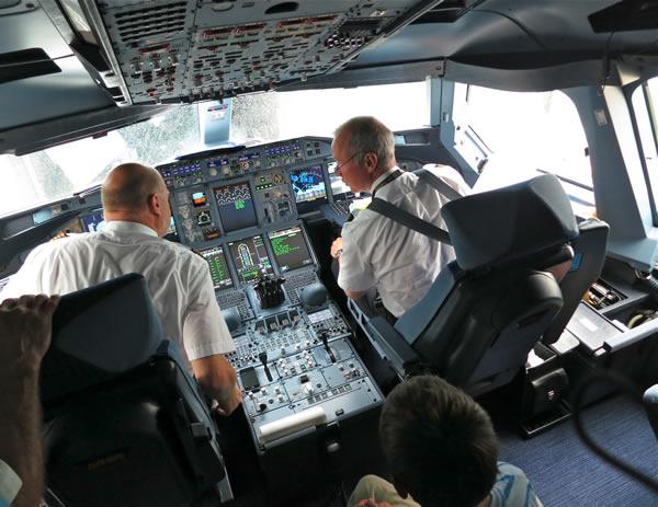 a380 flight deck