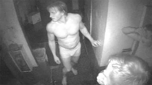 naked burger thieves 1
