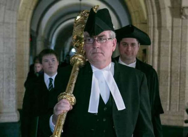 kevin vickers with mace 2