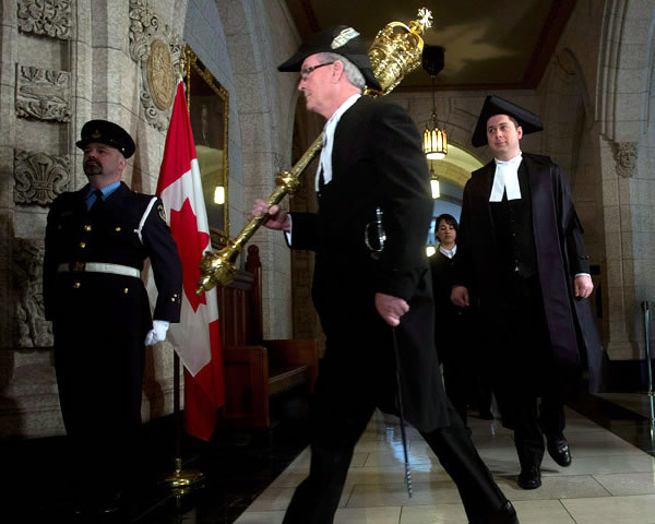 kevin vickers with mace 3