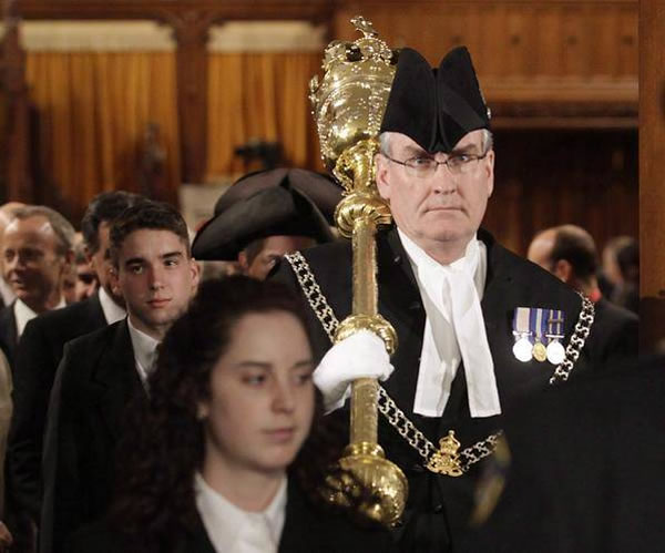 kevin vickers with mace 4