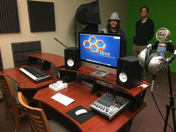 19 studio