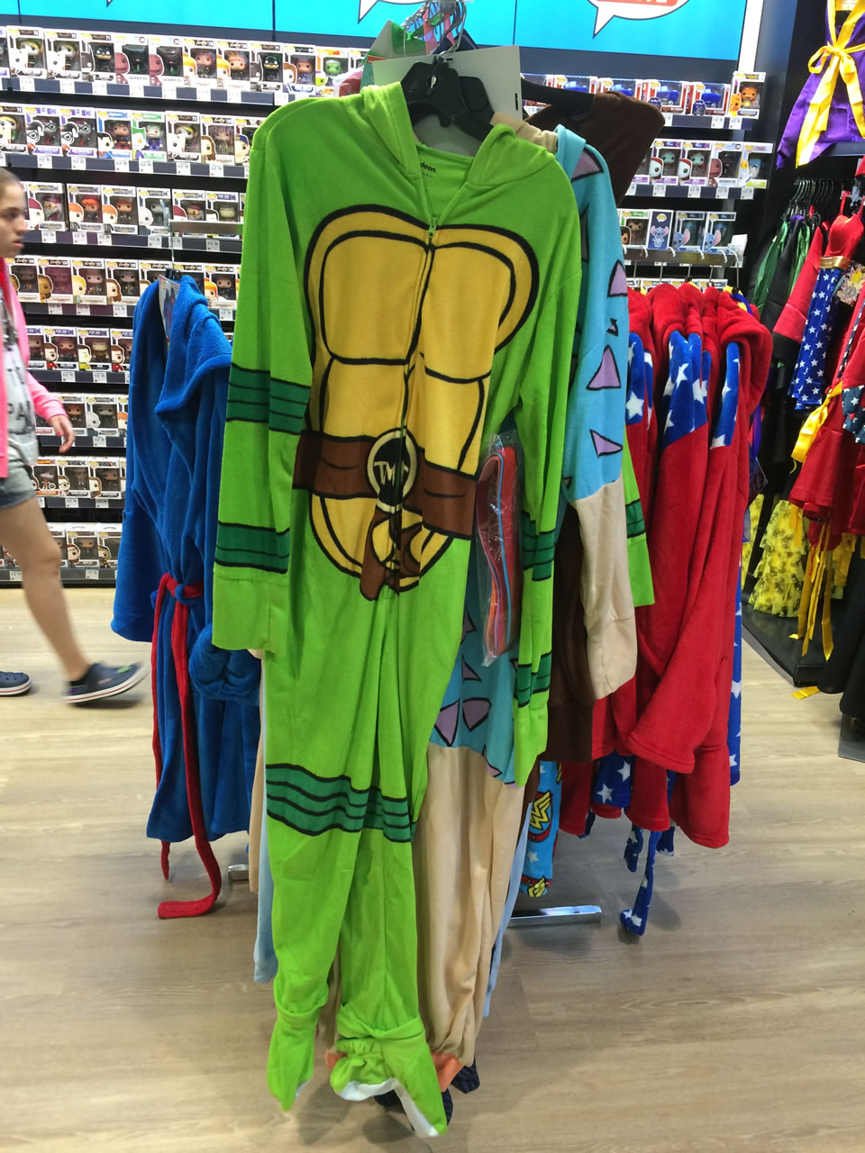 35 thinkgeek store - tmnt footy pajamas