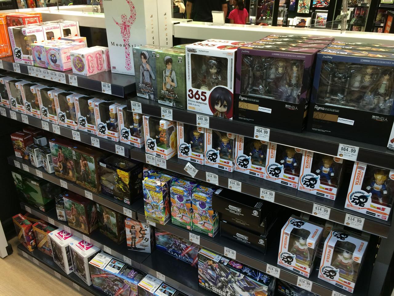 47 thinkgeek store - figurines