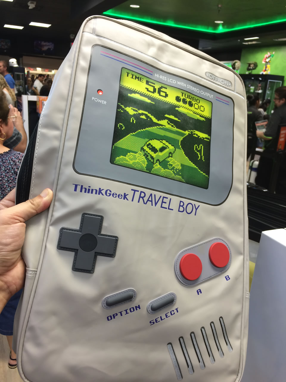 55 thinkgeek store - game boy bag
