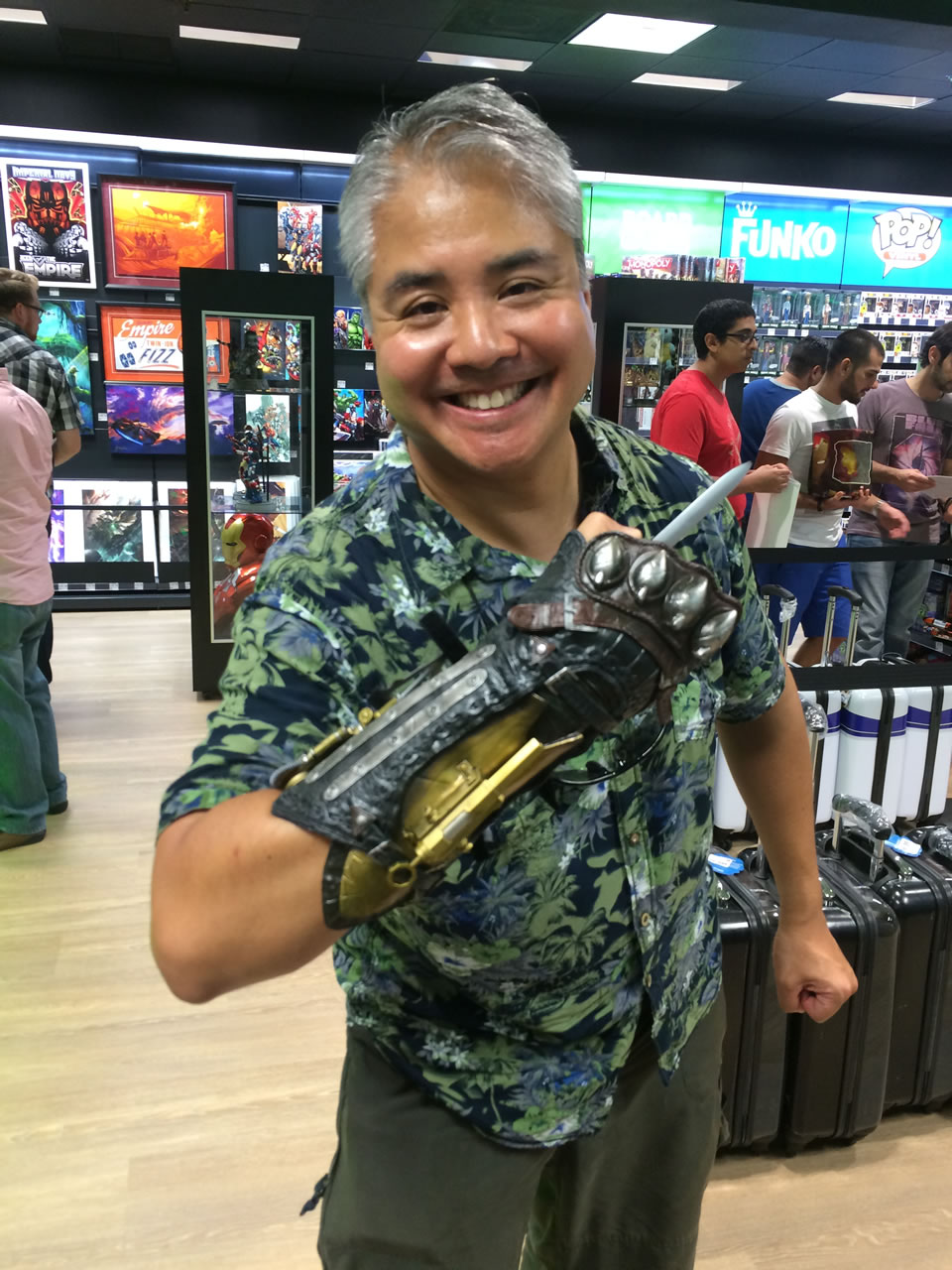67 thinkgeek store - joey and assassins creed gauntlet