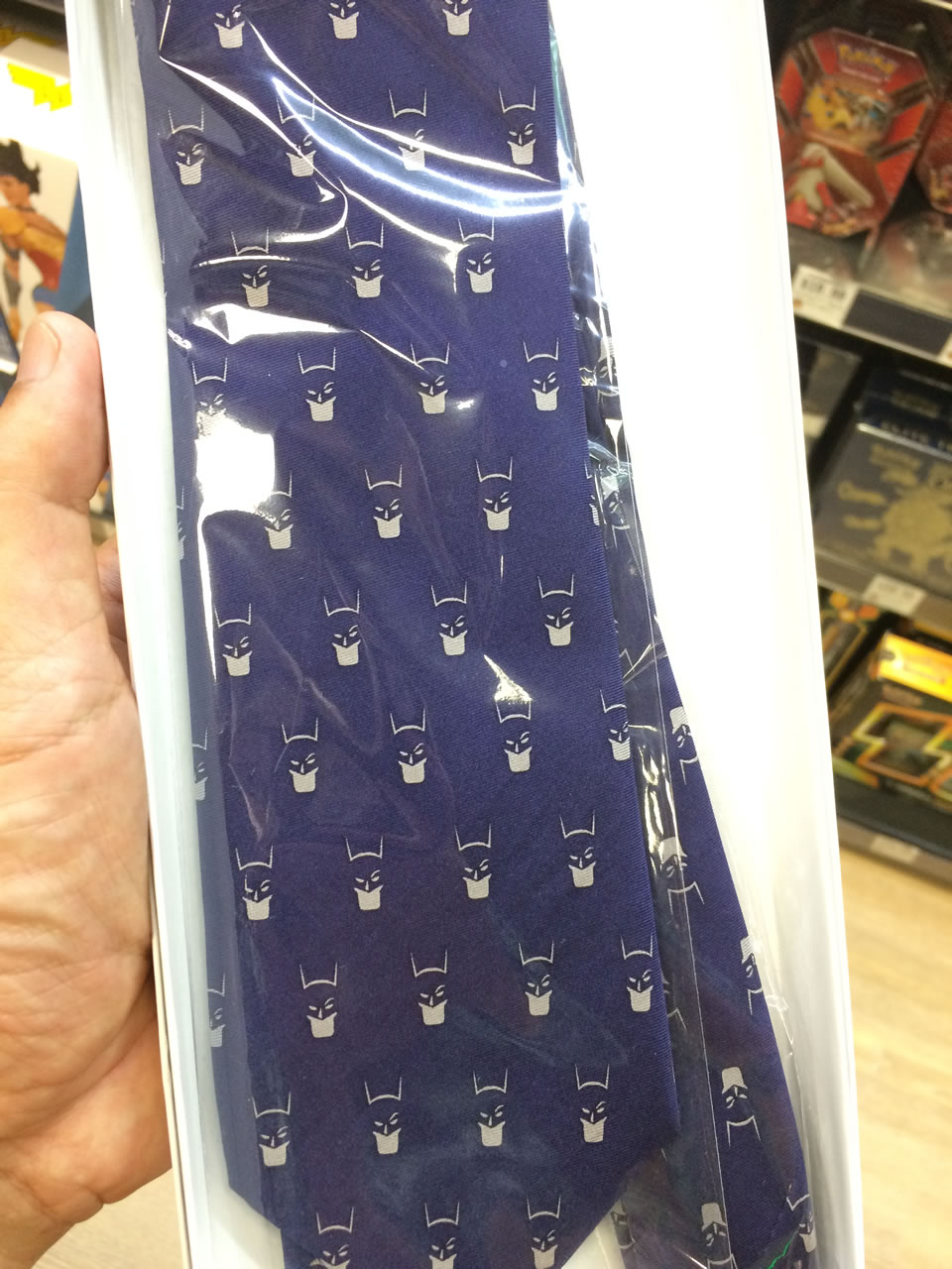72 thinkgeek store - batman tie