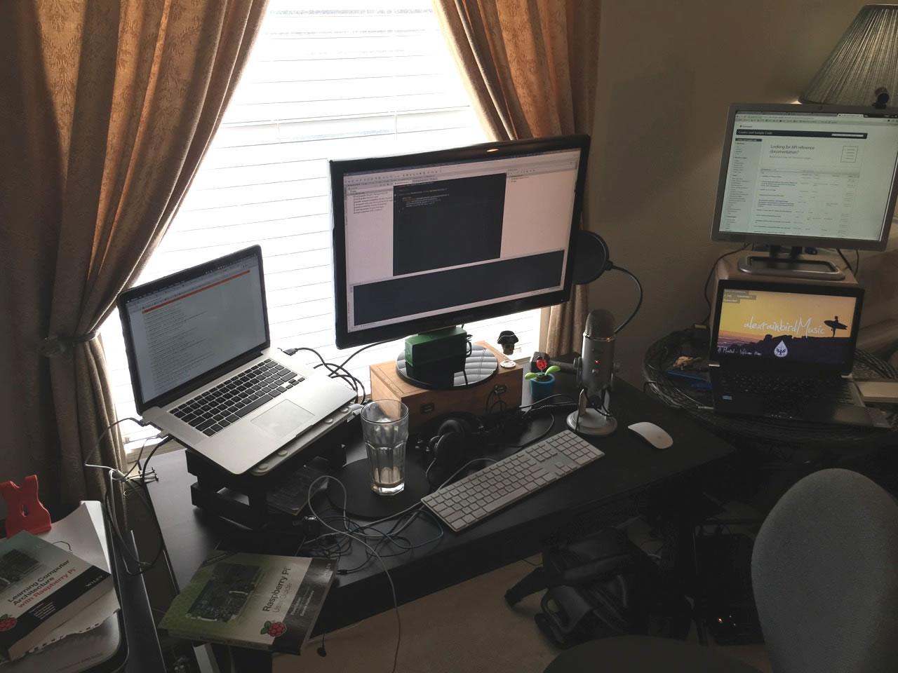 joey-desk-sept-2016