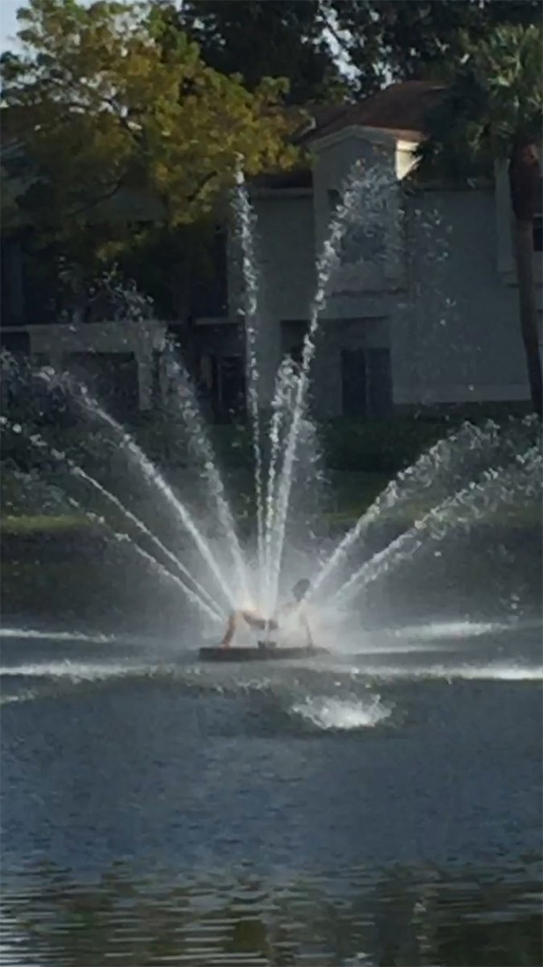florida-naked-fountain-woman