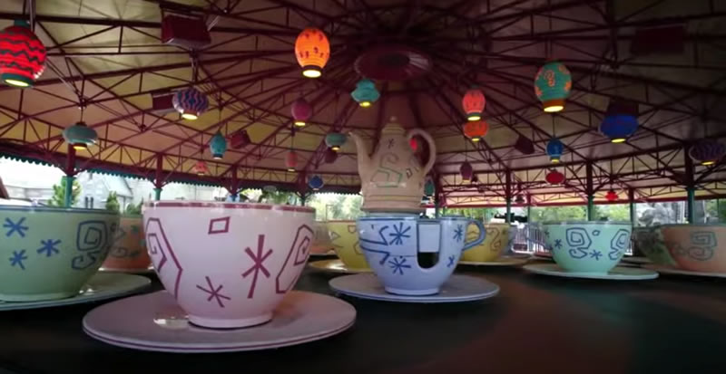 Photo: The cups on the Mad Hatter's Tea Party ride, all empty.